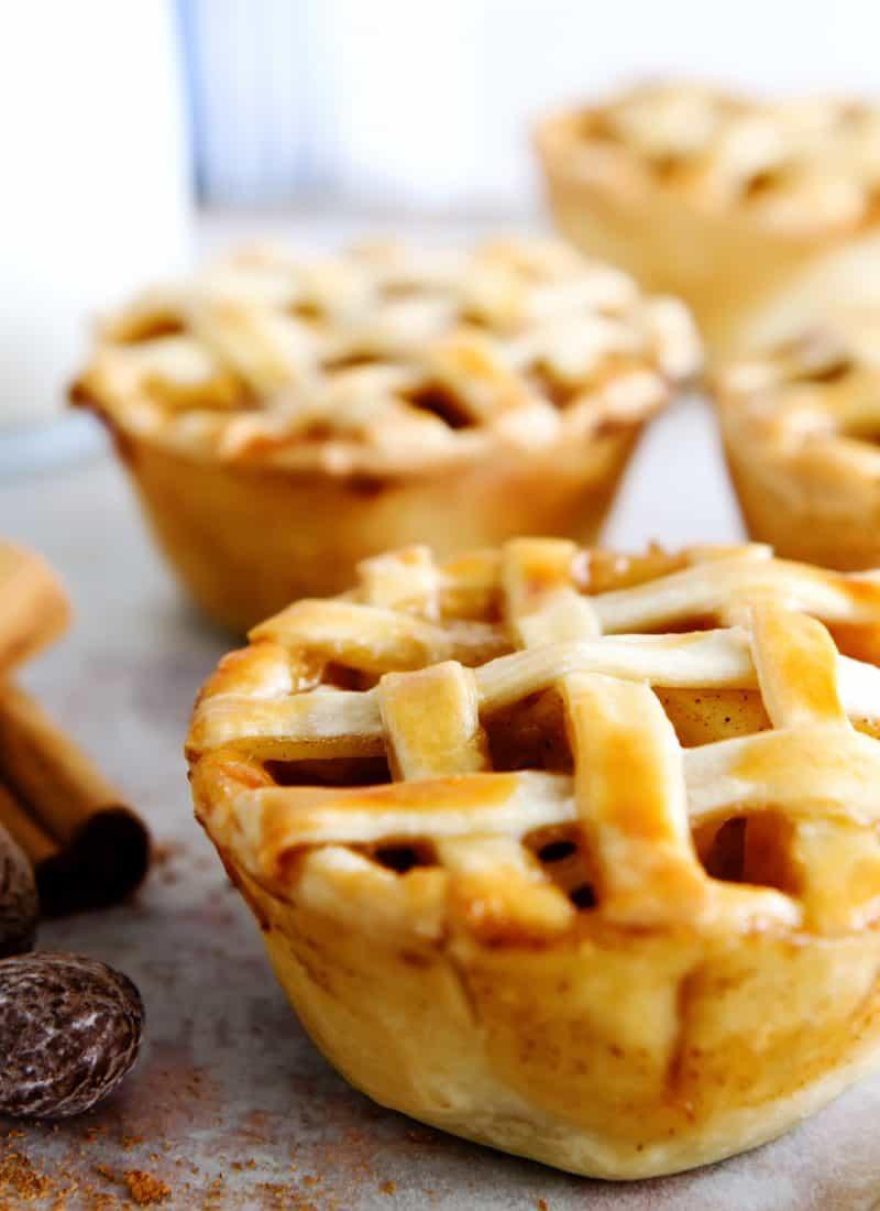 Shortcut Mini Apple Pies   This Mom & A Blog